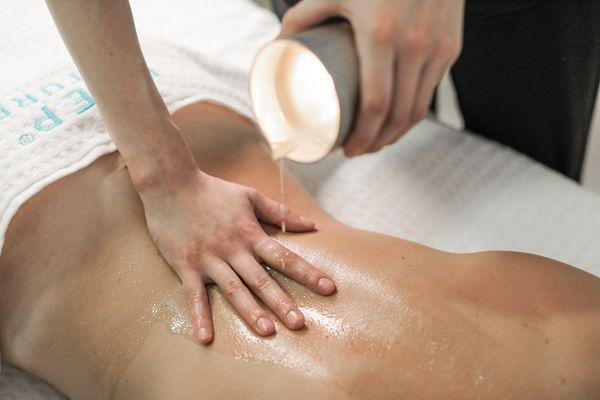 Envie d'être enveloppée dans une douce chaleur pendant votre massage ?