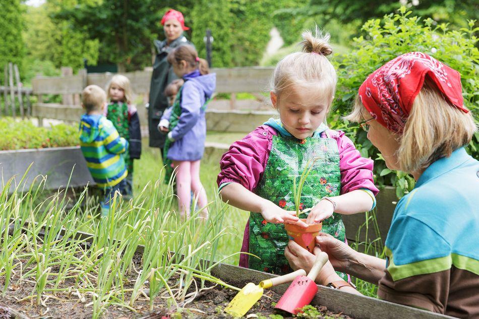initiation-enfants-jardinage
