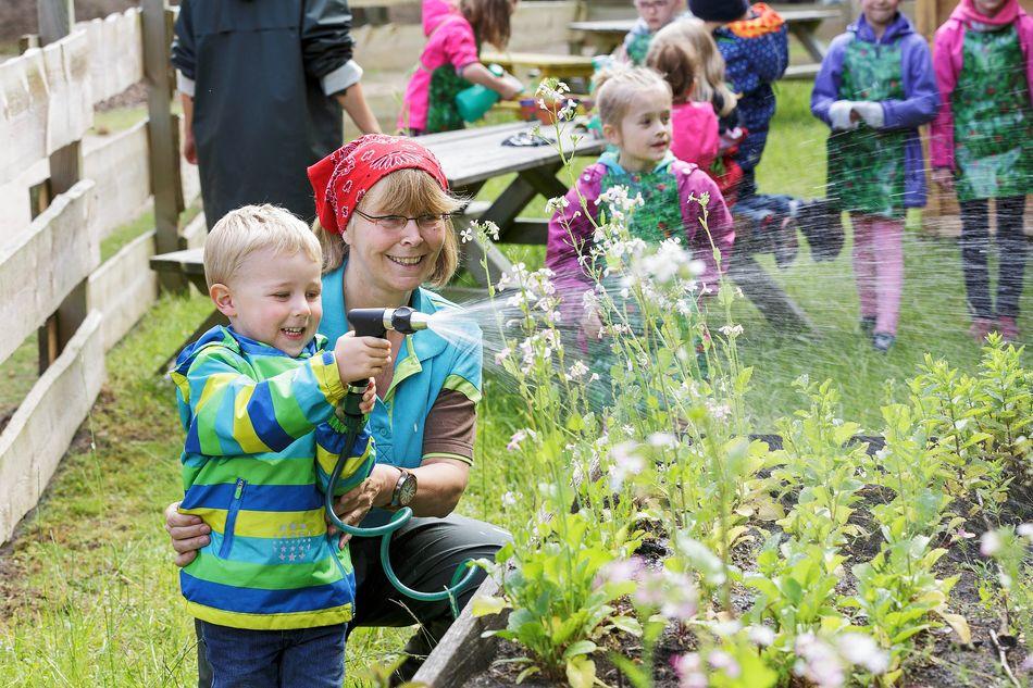 arrosage-jardinage-enfants
