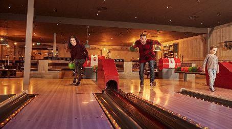 Ouverture du Bowling Barn et du Grill Company au Parc Sandur