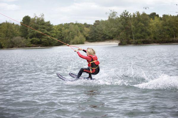 ski nautique en pleine nature