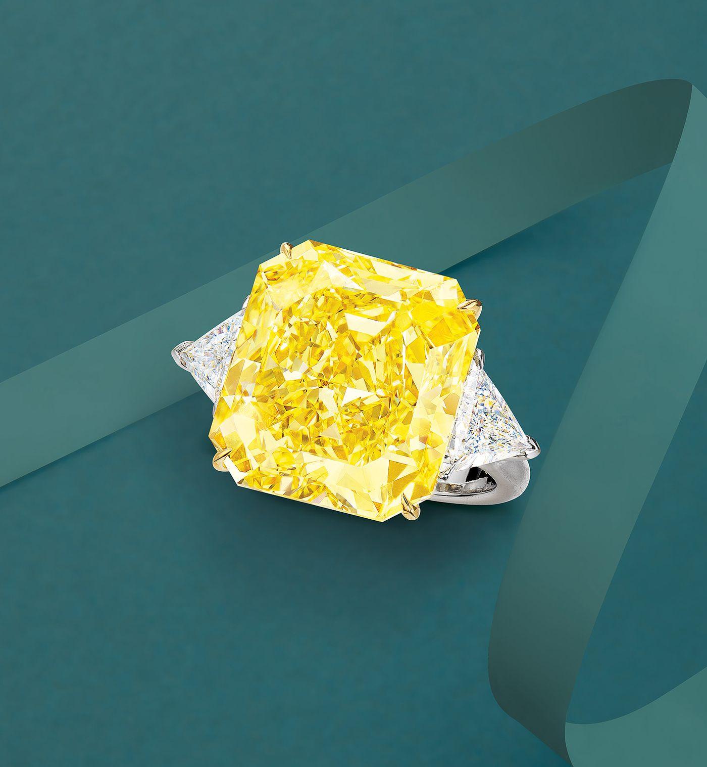 重逾20克拉傲人份量的頂級黃鑽,在彩色級鑽石裡絶對是王者中的王者