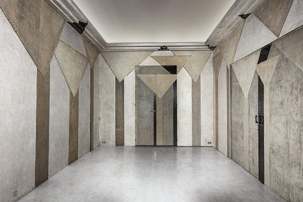 In conversation with Elie Massaoutis, boiseries expert Patrick Gavelle takes us inside the exquisite Jean Dunand fumoir.