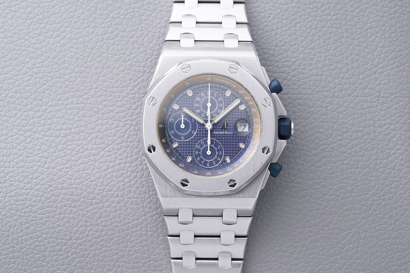 25 years after the birth of the Royal Oak Offshore, its designer, Emmanuel Gueit, is putting his own up for sale next month. Arthur Touchot sat down with Gueit ahead of the sale to talk about the design of the Offshore, its legacy, and the 25th Anniversary re-edition, launched earlier this year by Audemars Piguet.