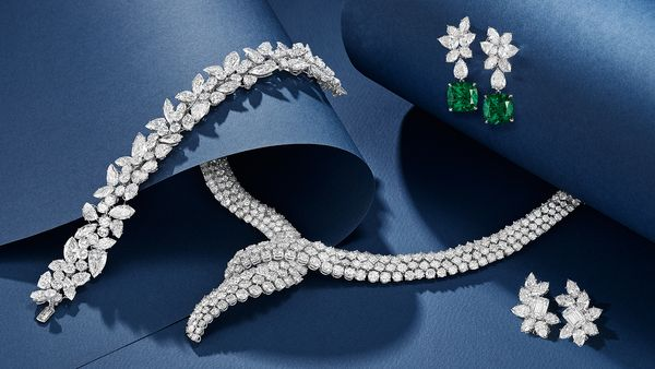 Winston was one of the most celebrated jewelers of the 20th century, with clients ranging from the Duchess of Windsor to Shirley Temple. His timeless designs follow the fundamental belief that diamonds should be unapologetically centerstage.