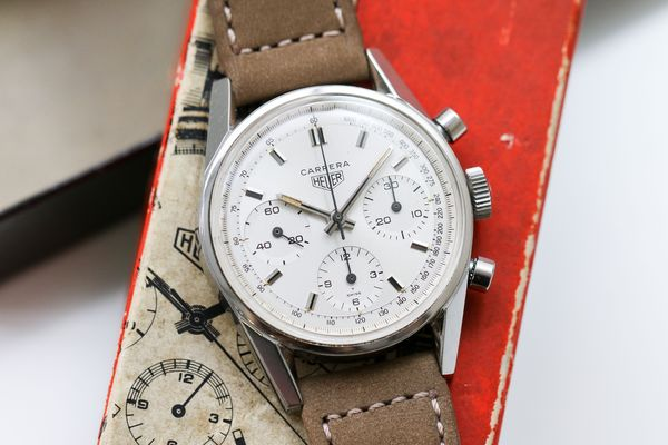 Today we look at ten vintage chronograph pieces from the upcoming Hong Kong Watch Auction: X, all priced under USD20,000.