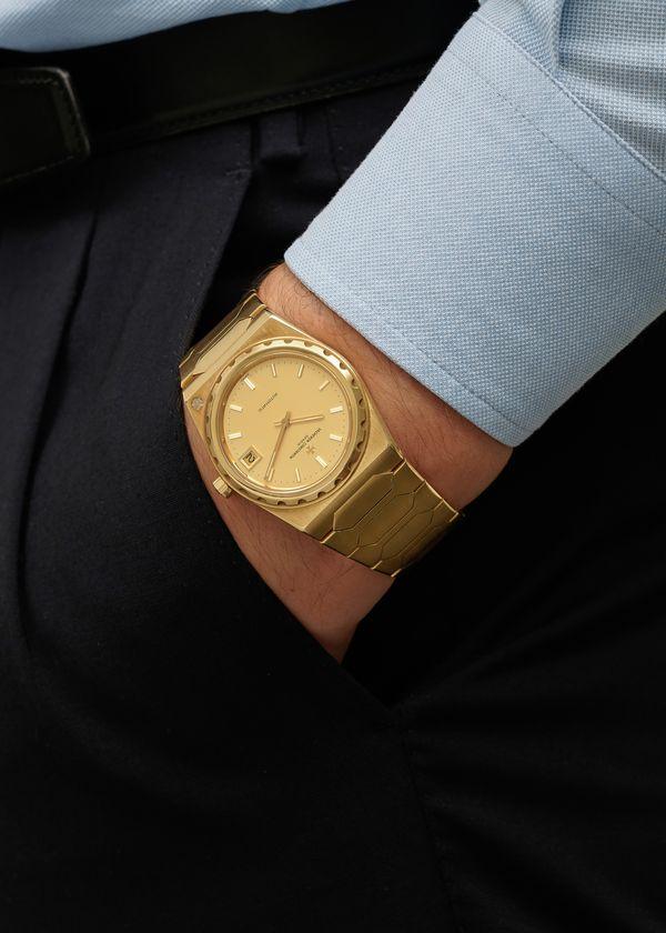 Lot N° 158 : Vacheron Constantin 222 in 18k yellow gold