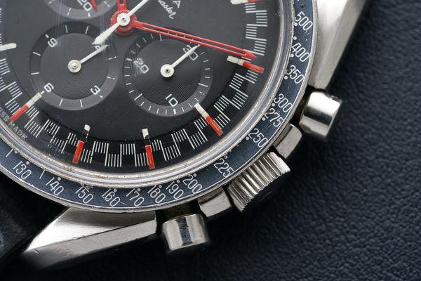 Omega Speedmaster Moonwatch Red Racing Dial