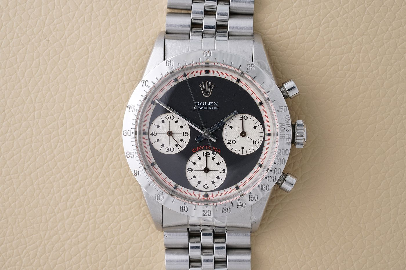 Shortly after taking the checkered flag at the 1969 edition of the Daytona 500, LeeRoy Yarbrough received two prizes: the race trophy and a new chronograph from Rolex. Isabella Proia presents the watch, a rare 'Paul Newman' reference 6239 and the earliest known Rolex Daytona awarded to a Daytona 500 winner.