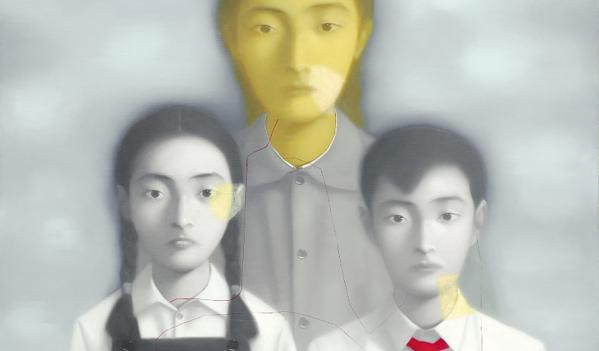 張曉剛憑藉其獨特立場向世人展示了中國當代藝術的發展,成為公認的這一代人中最著名的藝術家之一。 1990年代末則是張曉剛的藝術生涯中的重要時期,而這亦象徵了中國當代藝術在二十世紀末發展也到了成熟階段。