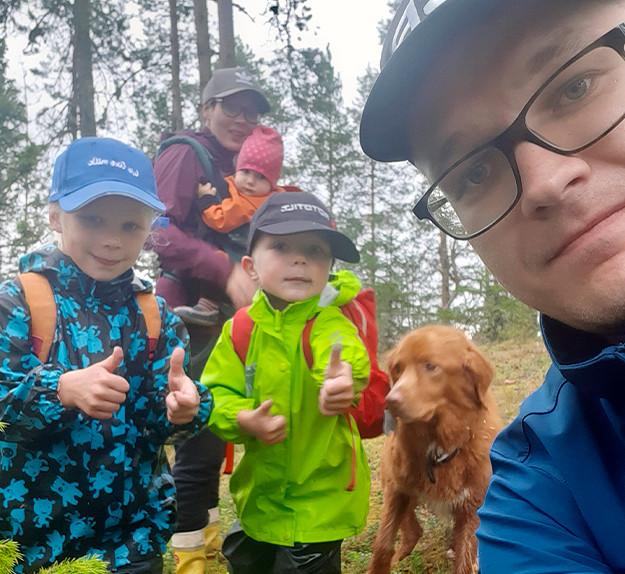 Matti ja Anni Kivelä perheineen
