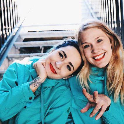 Kuva henkilöstä Johanna von Hertzen ja Jessica Häyhä