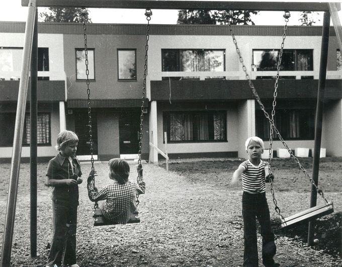 Leikkiä ja leppoista elämää – tällaista on asua Martinlaakson Kukinkujalla