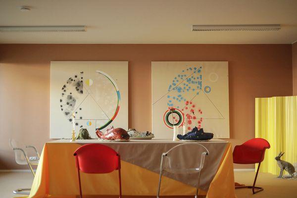 Miltä koti tuntuu -näyttely SATOn kerrostalossa