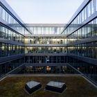 Environ 1500 personnes travaillent dans  un immeuble de bureaux de Swisscom.