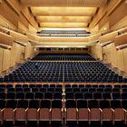Le centre culturel LAC Lugano Arte e cultura sur le lac de Lugano dispose d'une salle de théâtre et de concert de 1000 places et propose des œuvres d'art sur 2500 mètres carrés dans le Museo d'arte della Svizzera italiana.